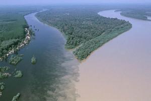 Место-слияния-рек-Белый-Нил-и-Голубой-Нил-в-Хартуме