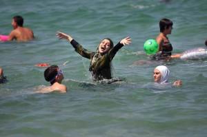 MIDEAST-ISRAEL-PALESTINIAN-BEACH